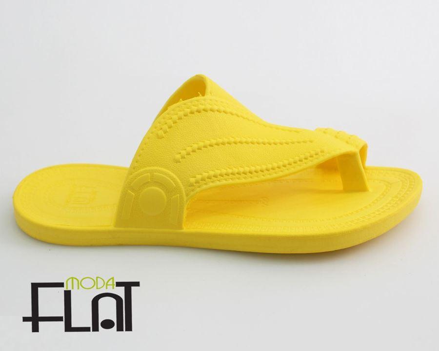 صورة لقسم احذية بلاستيك